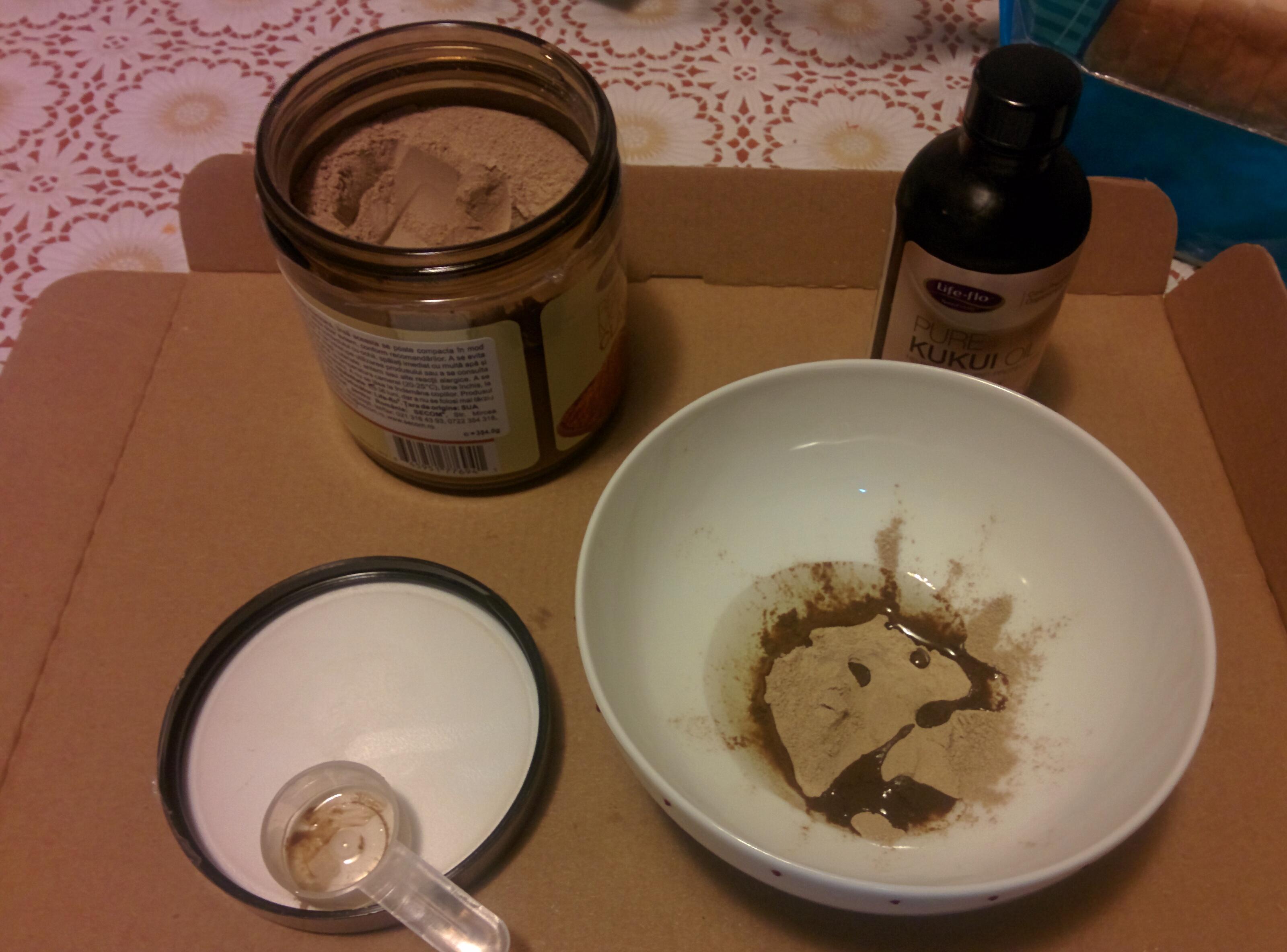 ulei de kokoi peste argila